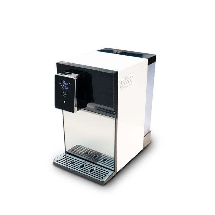 Small water filtering equipment to place on top of a counter.r.